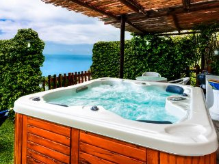 La Corte dei Fiori - Apartment with View & Hot Tub