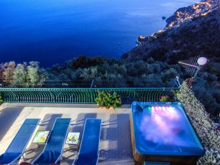 Sole - Apartment with Breathtaking view & Solarium, Furore
