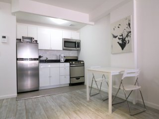 Furnished Studio Apartment at 11th Ave & W 48th St New York, Nueva York