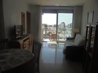 Apartamento céntrico con vistas hasta el mar.
