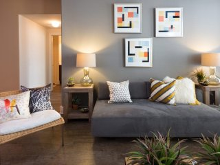 Furnished 2-Bedroom Apartment at Norwood St & Crockett St Fort Worth