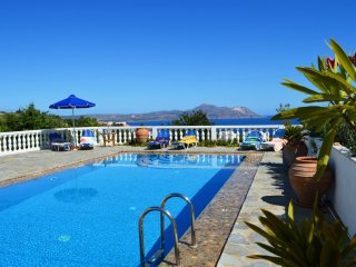 Villa with big pool, amazing sea view,3 bedrooms, Plaka