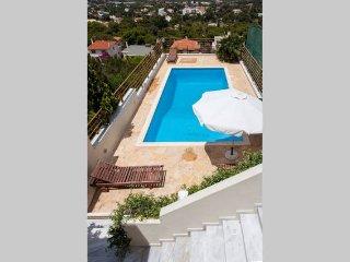 Schöne Sommerhaus mit Pool in der Nähe von pvt Sounio, Atenas