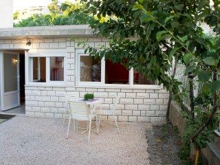 Apartman 3+2, 10 km near Split, Wi-Fi, Podstrana