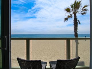 4109 B Seashore Drive- Upper 4 Bedroom 3 Baths, Newport Beach