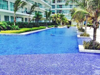 Oceanview Beachfront Morros Ultra Apartment