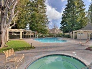 Perfect Location Executive Resort Living