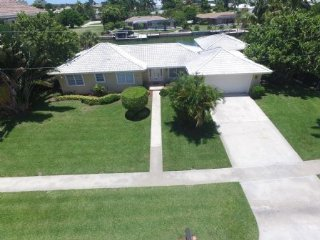 Spacious and inviting ...Updated waterfront home with direct boating, Marco Island