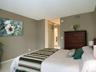 Furnished 3-Bedroom Apartment at Canoga Ave & Burbank Blvd Los Angeles, Bell Canyon