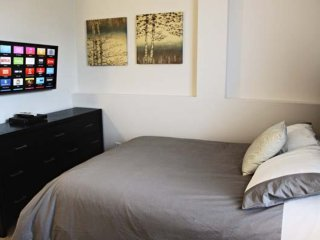 Furnished 1-Bedroom Apartment at Wilshire Blvd & Malcolm Ave Los Angeles, Los Ángeles