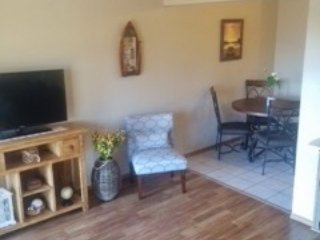 1 BR, free wifi, pools, playground, great mtn view, Branson West
