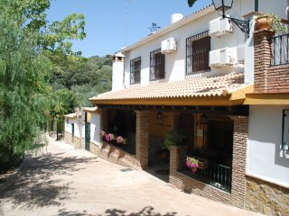 CORTIJO RURAL PARA DESCONECTAR PARKING Y PISCINA PRIVADA.WHIFI