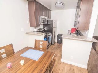 PREPOSSESSING FURNISHED 1 BEDROOM 1 BATHROOM APARTMENT APARTMENT, Los Angeles