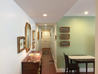 Furnished 1-Bedroom Condo at W Edith Ave & 2nd St Los Altos