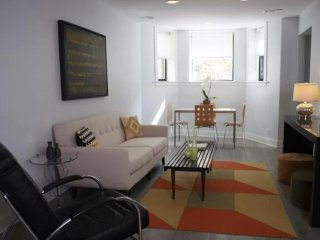Furnished 2-Bedroom Apartment at N Orchard St & W Briar Pl Chicago