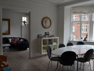 Spacious apartment in the heart of Frederiksberg