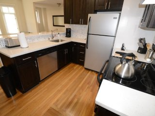 Furnished 1-Bedroom Apartment at Hyde St & Lombard St San Francisco