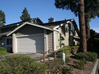 Furnished 1-Bedroom Townhouse at E 14th St & Cornwall Way San Leandro