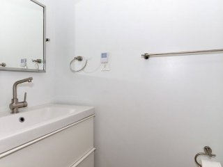 Beautiful 2 Bed 1.5 Bath Apartment, Arlington