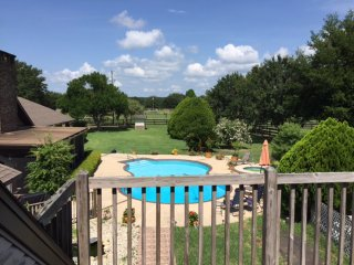 Small equestrian guesthouse in Ocala Fl with Barn