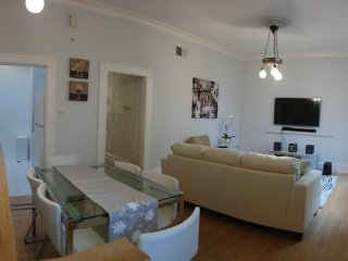 Furnished 2-Bedroom Home at Sanchez St & Duncan St San Francisco