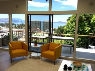 Furnished 2-Bedroom Duplex at Hyde St & Lombard St San Francisco