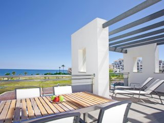 Luxury Beachfront Apartment, Resort in Estepona