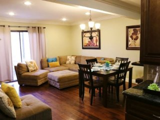 VIBRANT AND AESTHETIC 2 BEDROOM, 2.5 BATHROOM FURNISHED APARTMENT, Anaheim