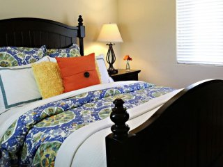 HIGH-TONED FURNISHED 4 BEDROOM, 3 BATHROOM HOME, Anaheim