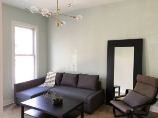 Furnished 2-Bedroom Apartment at N Ashland Ave & W Beach Ave Chicago