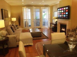 Furnished 2-Bedroom Apartment at Thayer Ave & Ashton Ave Los Angeles, Los Ángeles