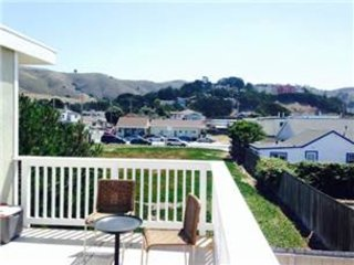 Furnished 1-Bedroom Apartment at Palmetto Ave & Santa Maria Ave Pacifica