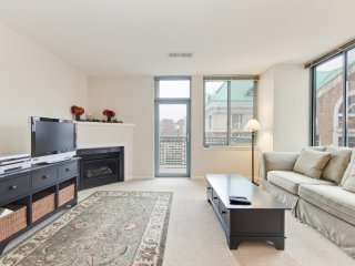 Furnished 2-Bedroom Condo at N Glebe Rd & N Vermont St Arlington