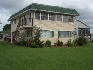 2br - Vacation Home on Lake, Avon Park