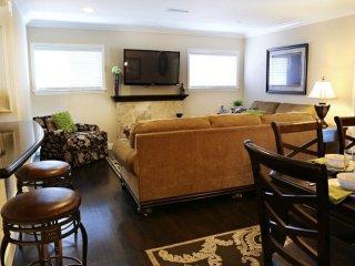 BEAUTIFULLY FURNISHED 4 BEDROOM, 3 BATHROOM APARTMENT, Anaheim