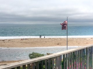 Beach FantaSea!  2bed, Ocean View, Pet Friendly, Santa Cruz