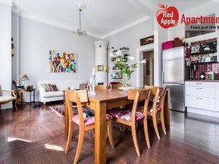 2 Bedroom Apartment Perfectly Located in Stockholm - 924