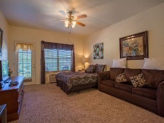 Cozy Condo - Pet Friendly Suite Located at the Wonderful Stonebridge Resort!