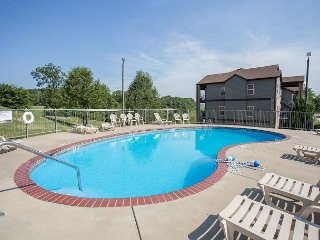 Sunrise Chateau - Updated 3 Bedroom Condo with Porch at Stonebridge Resort