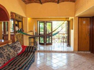 Casa Nalu, cómoda, campirana, fresca y ventilada., Sayulita