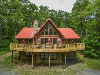 Centrally located log home with fire pit and expansive deck!, McHenry