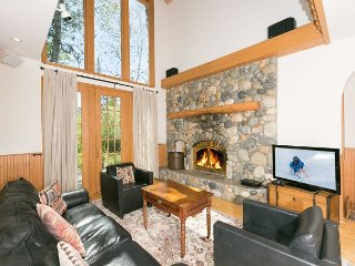 NEW LISTING - Alpine Meadows 3 BR 2.5 Bath Home, Olympic Valley