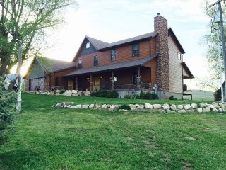 Remote ranch house on 80+ acres of land, Fairview
