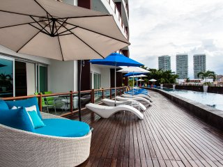 Deck 12 Condominios