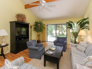20 Townhouse Tennis - 3 Bedrooms plus a bonus kids bedroom.  Very Pretty, Hilton Head