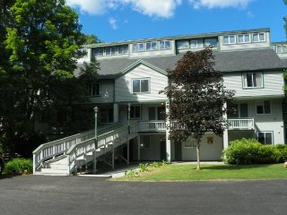 3 Bedroom Waterville Valley Condo close to Town Square!