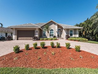 Barfield Dr N, 246, Marco Island
