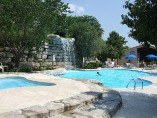 BRANSON [2 Bedroom Condo] WG Branson Lakes Resort, Hollister