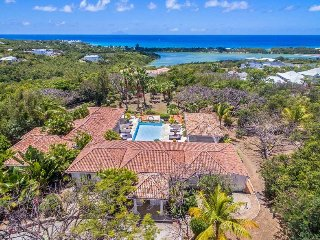 LA PINTA... Irma Survivor! 4BR Villa, Full AC, Tennis Court & Gym, Huge Pool Are