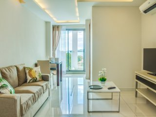 Bright 1-bedroom apartment with sea view, Pattaya